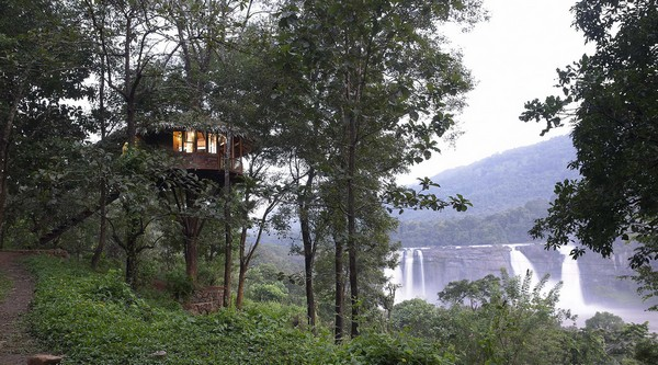 rain-forest-resort-athirappilly-falls-treehouse.jpg